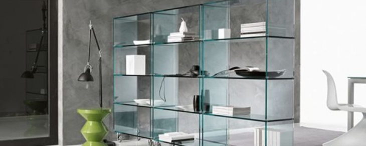 Mobilier din sticla